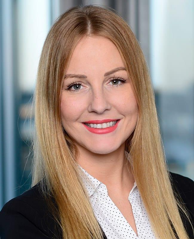 Portraitfoto von Claire Angelique Maas, Vermietungsmanagerin, HIH Real Estate