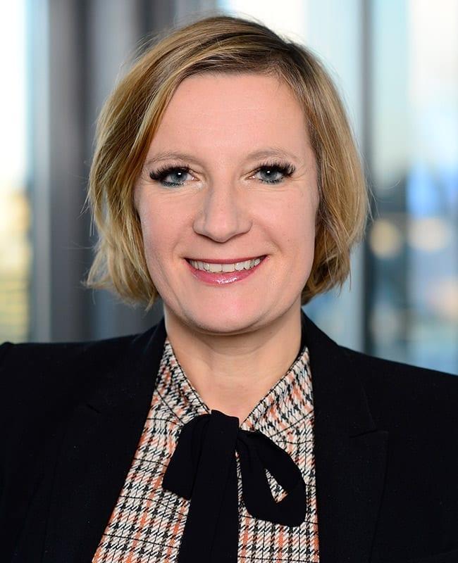 Portraitfoto von Susann Schwandtner, Senior Vermietungsmanagerin, HIH Real Estate